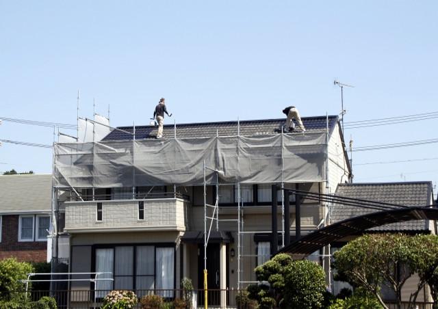 寝屋川の「藤田建創」が「屋根を塗装するメリット」についてご紹介